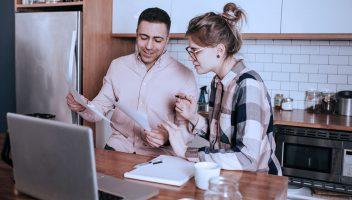 investor and entrepreneur negotiate liquidation preference